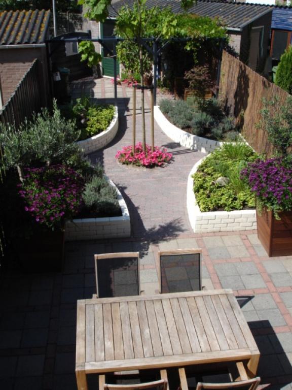 Sfeervolle tuin in rotterdam for Mooie tuinen afbeeldingen